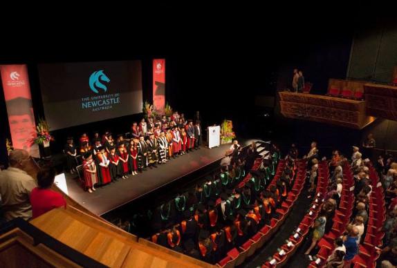 Lễ tốt nghiệp tại trường đại học Newcastle