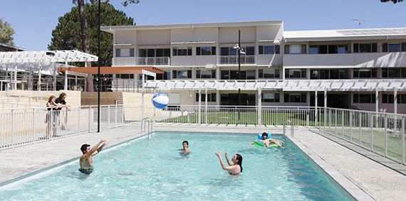 Khuôn viên khu học xá Murdoch University Village